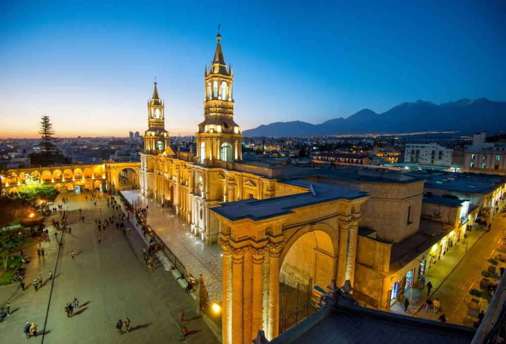 Basílica Catedral de Arequipa - sitios turisticos de Arequipa