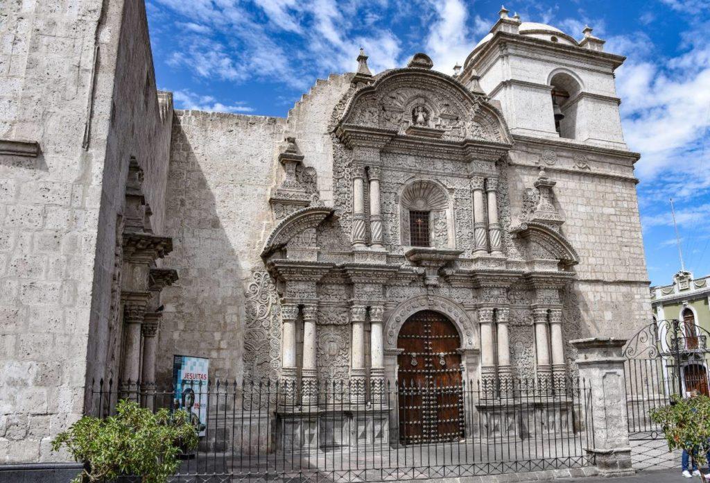 Iglesia de la Compañía - atractivos turísticos de Arequipa