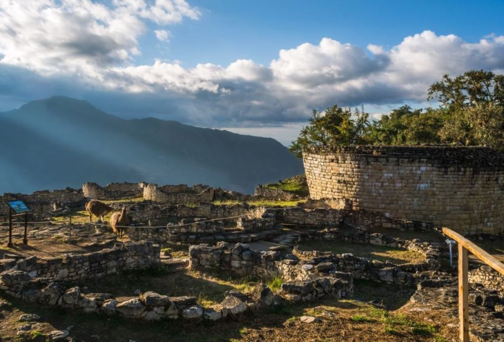 Complejo arqueológico Kuelap - Atraccines del Perú