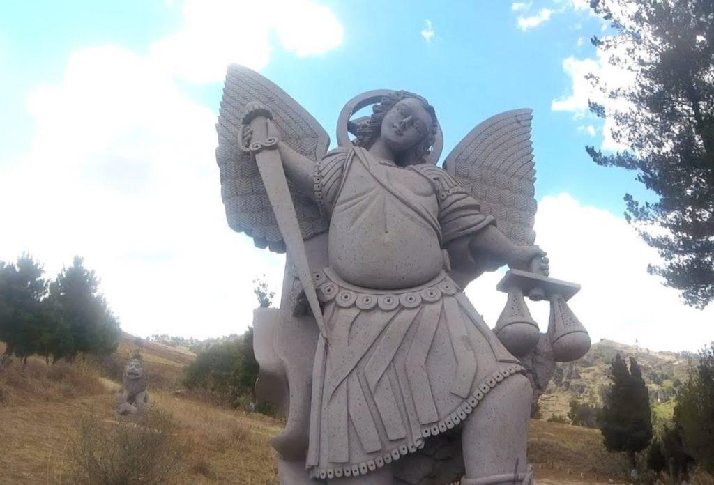 Parque De Esculturas Gigantes - Atracciones de Cajamaca