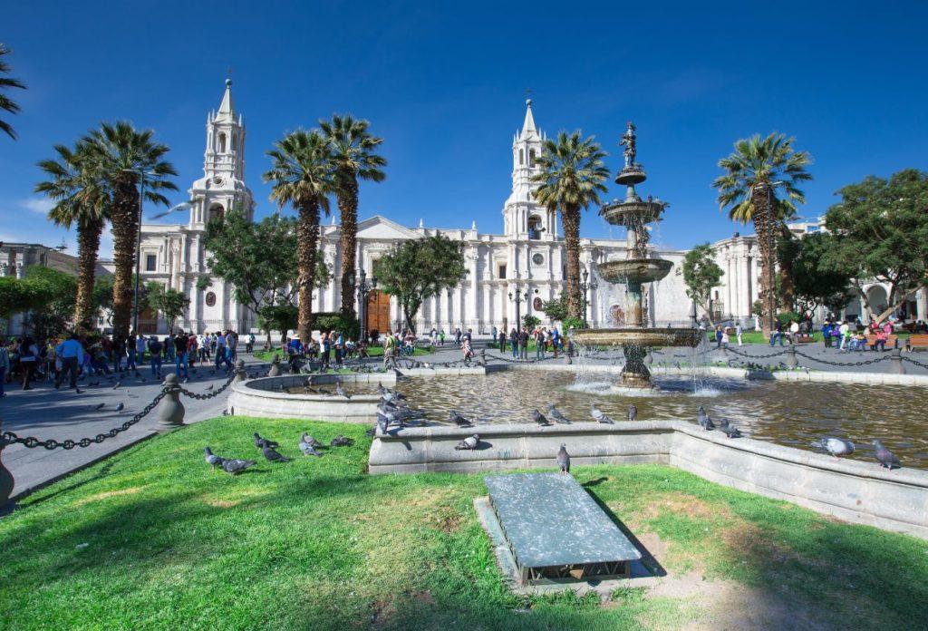 Plaza de Armas Arequipa - Lugares Turísticos