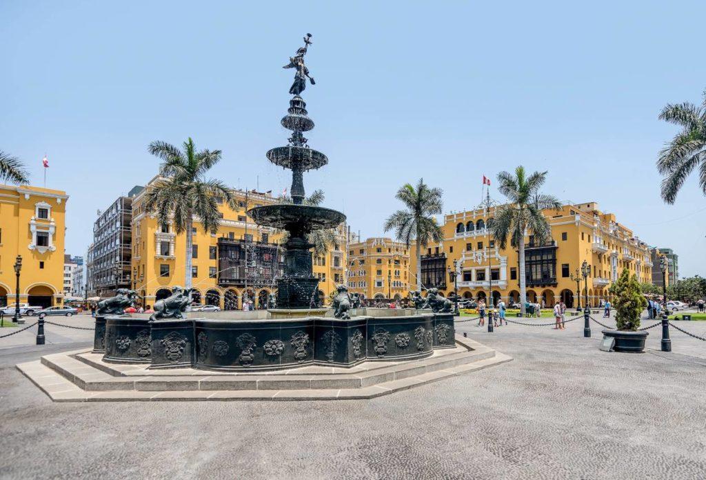 Plaza de armas - lugares turisticos en Lima