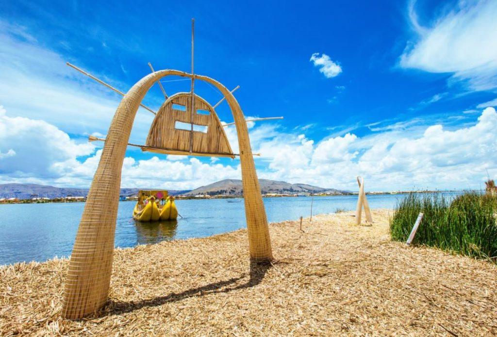 Lago Titicaca - Lugares Turísticos en Perú