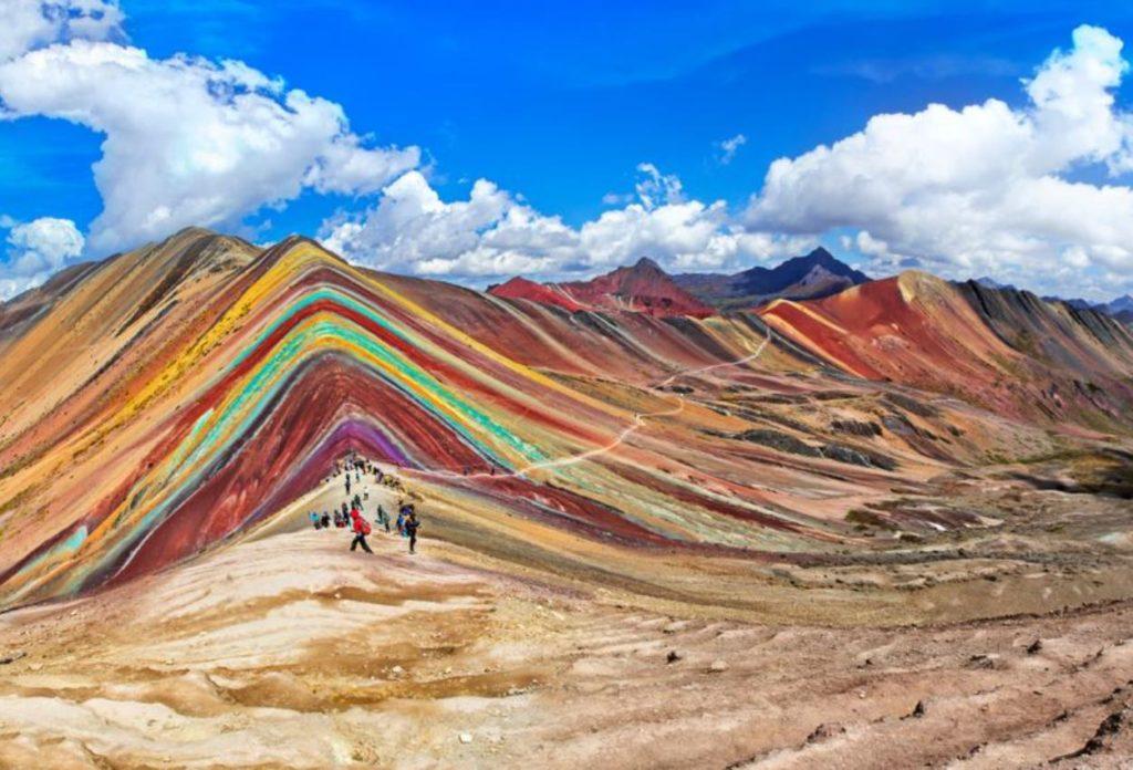 Vinicunca la montaña de los 7 colores - Sitios Turísticos en Perú