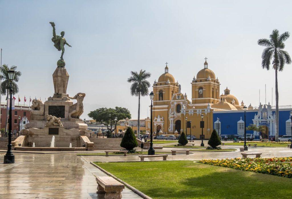Lugares turísticos de Trujillo - Plaza de Armas (Main Square)